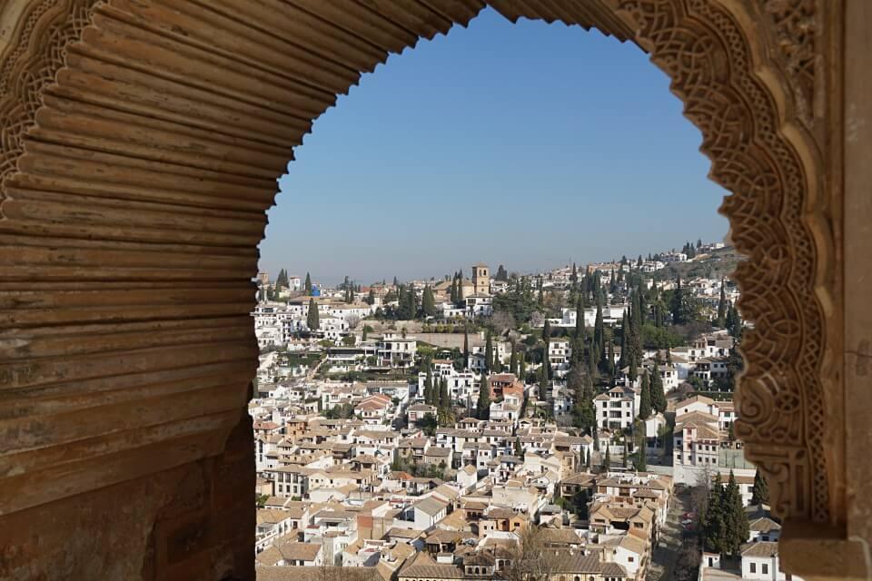 Ausblick auf Granada von der Alhambra aus
