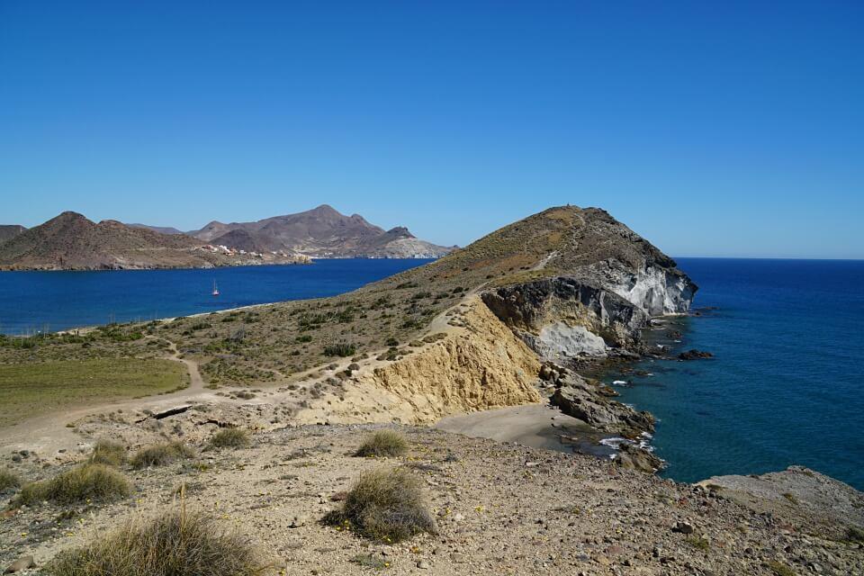 Menschenleerer Naturpark Cabo de Gata im Osten Andalusiens