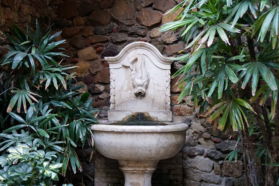 Brunnen in der Alcazaba in Malaga