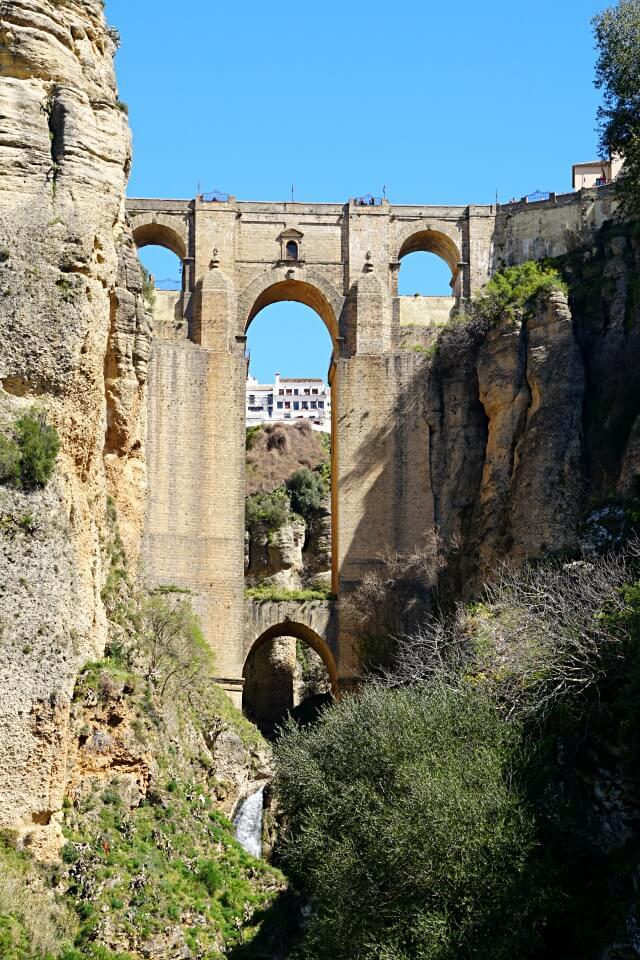 Die Puente Nuevo in Ronda verbindet Neustadt und Altstadt