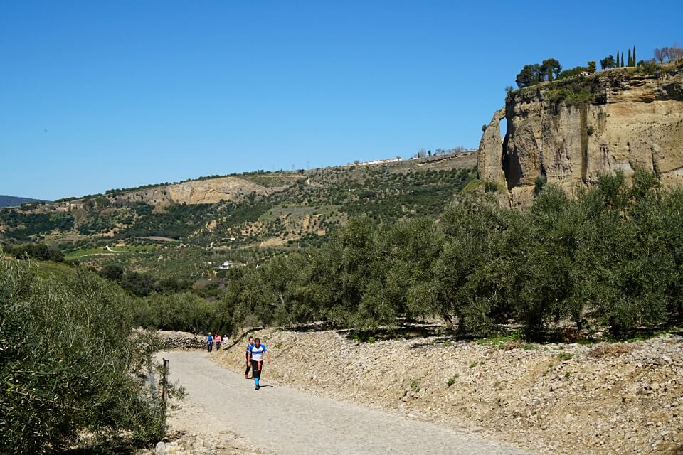 Beliebter Weg zum Aussichtspunkt unterhalb von Ronda