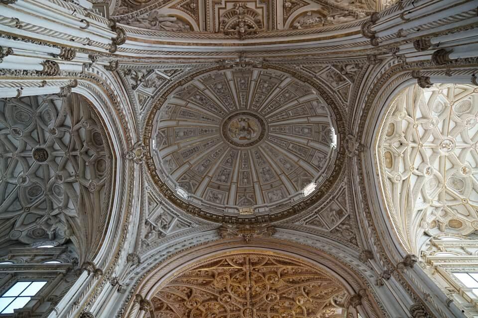 Die Vierung des Kirchenschiffs der Kathedrale von Cordoba