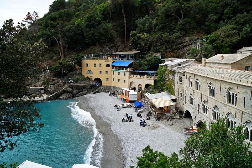 Bucht bei der Abtei San Fruttuoso in Ligurien