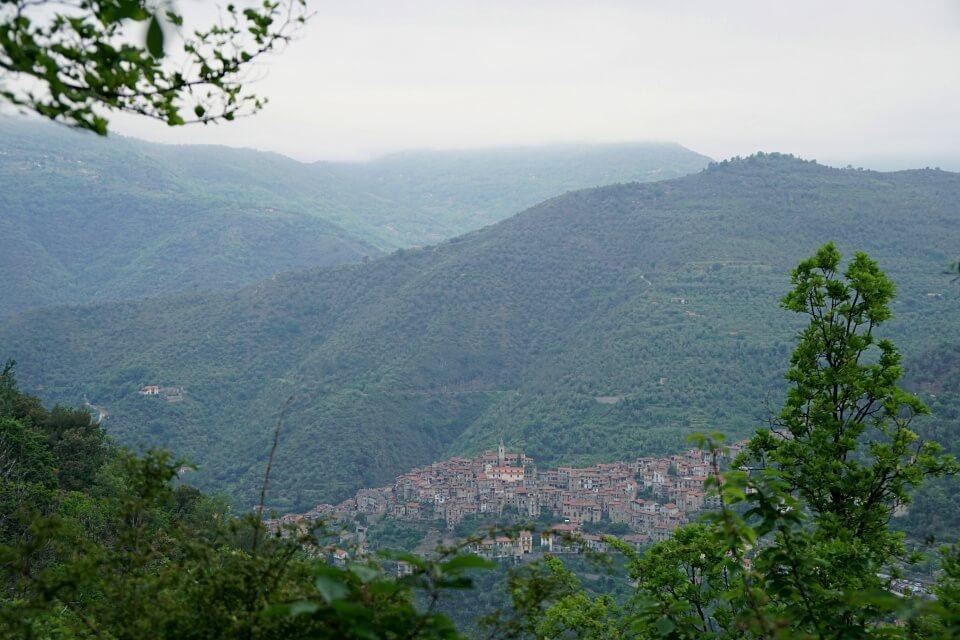 Das unbekannte Hinterland von Ligurien in Italien