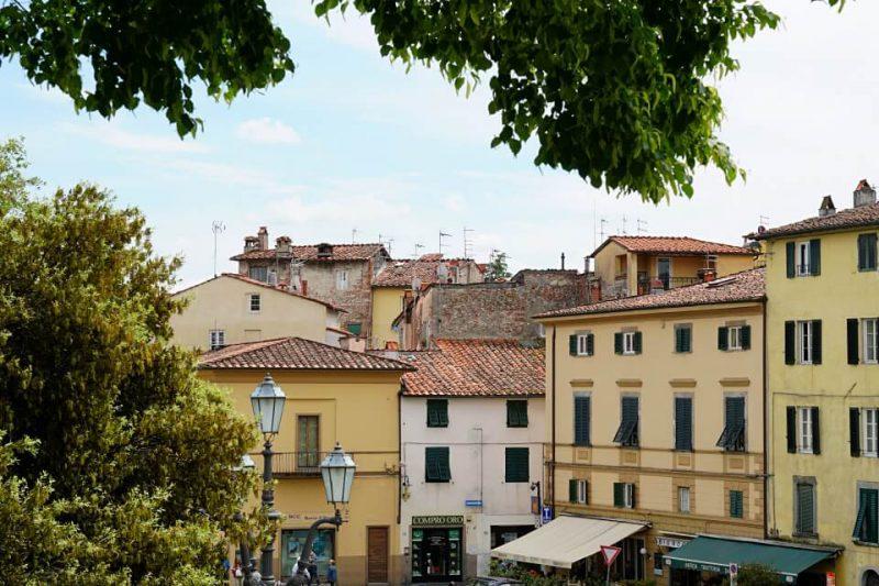 Ausblicke von der Stadtmauer auf Lucca