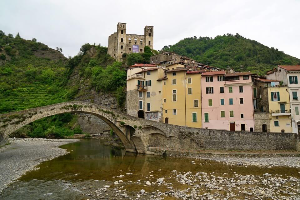 Dolceaqua im Hinterland von Ligurien in Italien