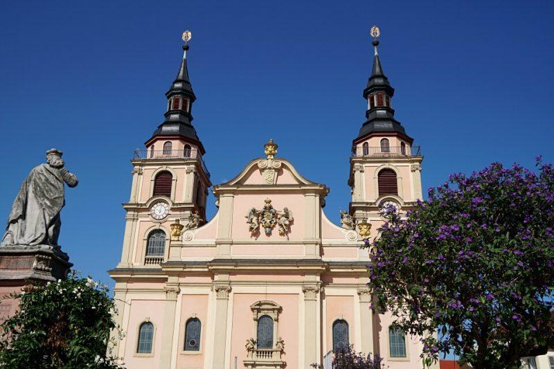Barockkirche auf dem Ludwigsburger Marktplatz