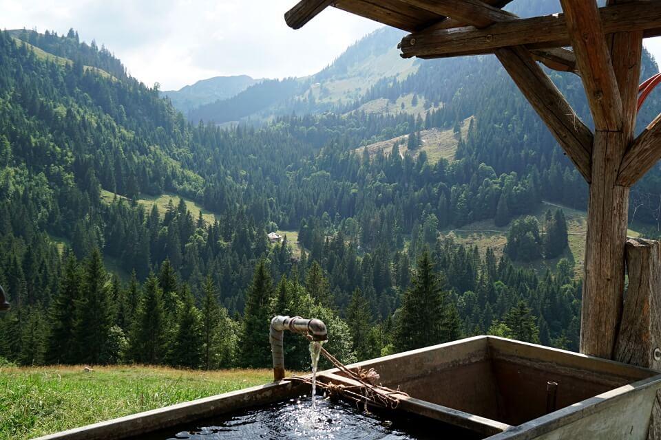 Brunnen auf der Alp Unteres Boedeli
