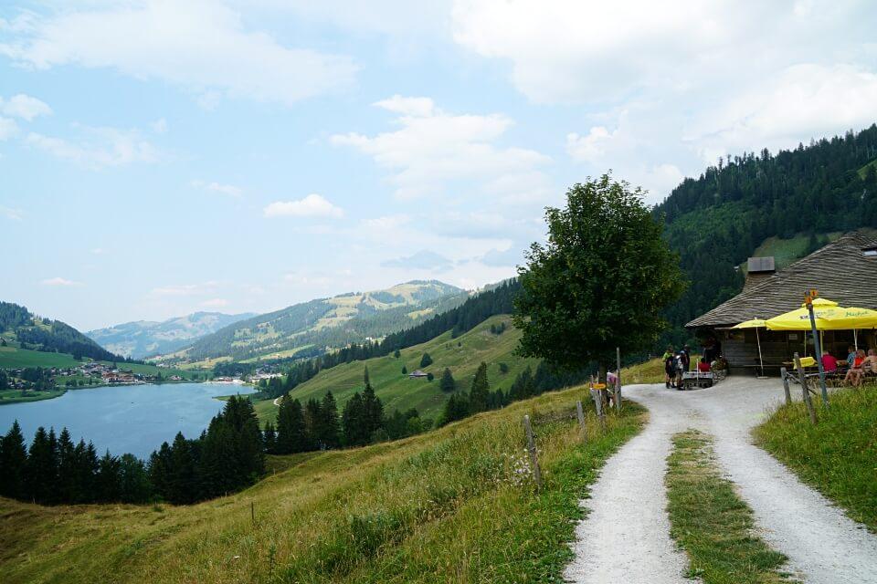 Alp Hubel Rippa und Ausblick auf den Schwarzsee