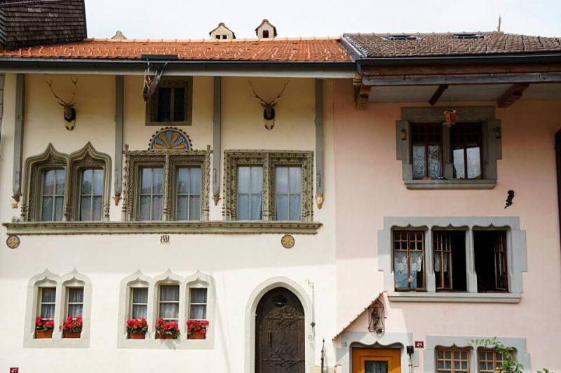 Fassaden in Gruyeres
