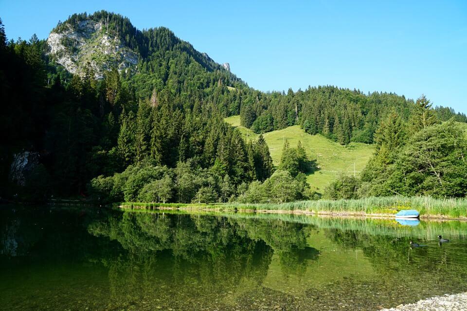 Morgenstimmung am Schwarzsee in der Schweiz