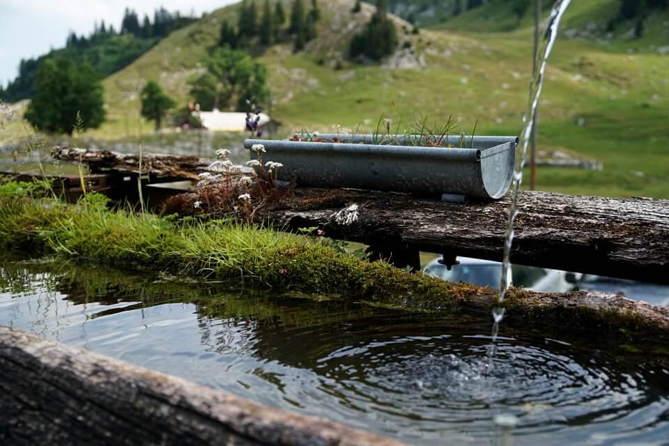 Rast in der Alp Marbach Brecca mit Blick auf die Spitzflue