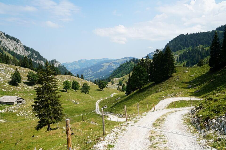 Wir wandern auf dem Panoramaweg Breccaschlund