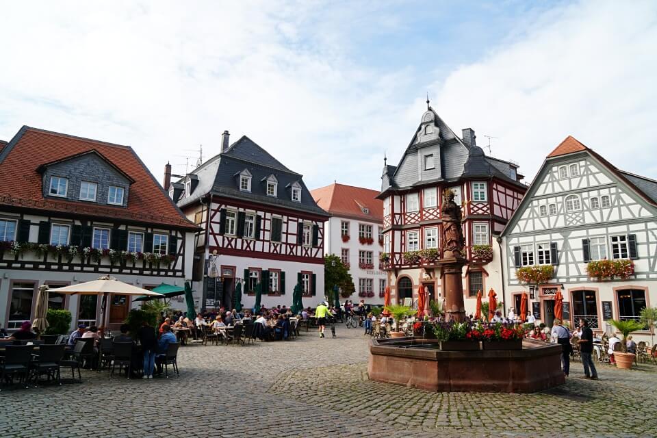 Der Marktplatz in Heppenheim an der Bergstrasse