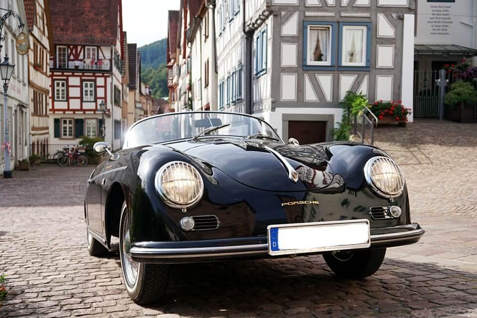 Oldtimer in Hirschhorn am Neckar auf der Burgenstrasse