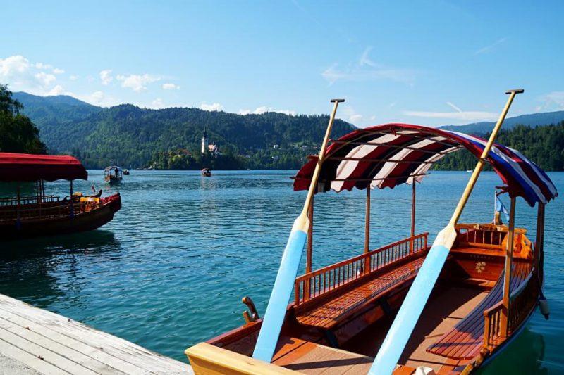 Pletna Ruderboot am Bleder See