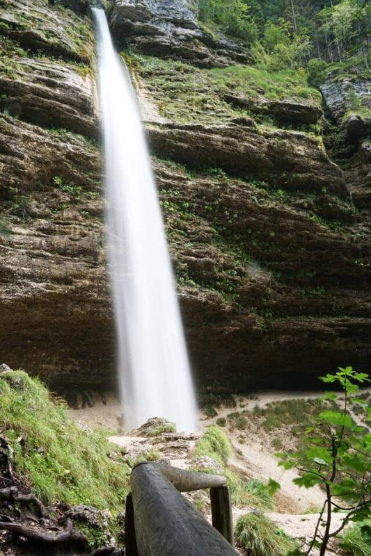 Pericnik Wasserfall im Vrata Tal im Triglav Nationalpark