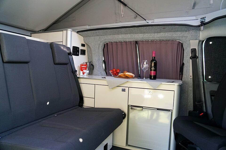 Innenraum und Innenausbau des Toyota Camper