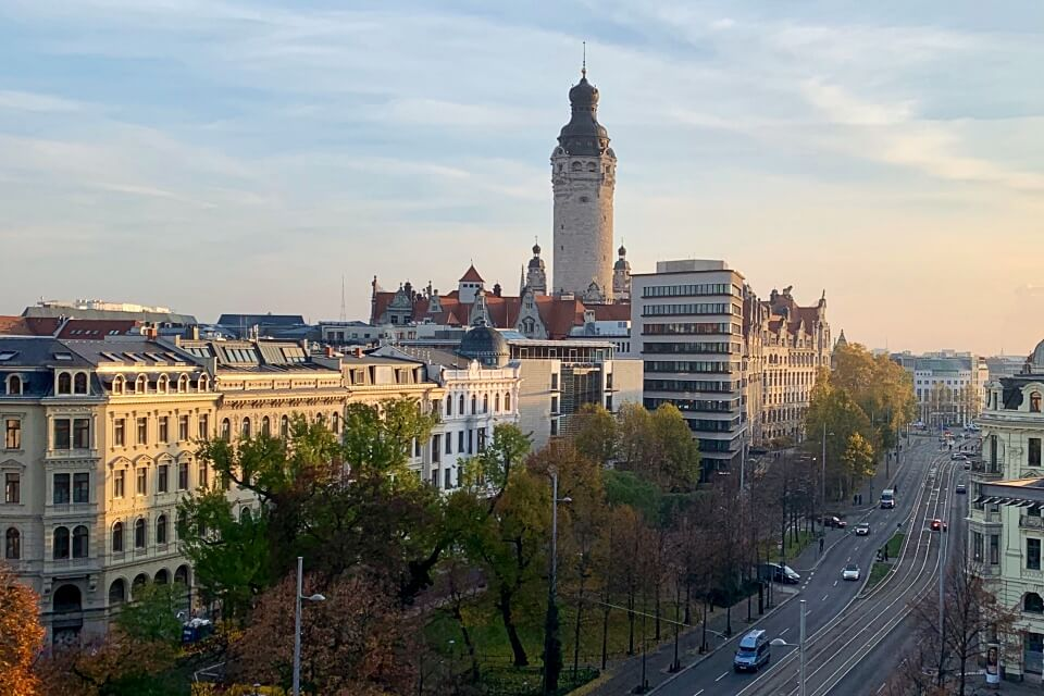 Blick von der Dachterrasse des INNSIDE by Melia Leipzig