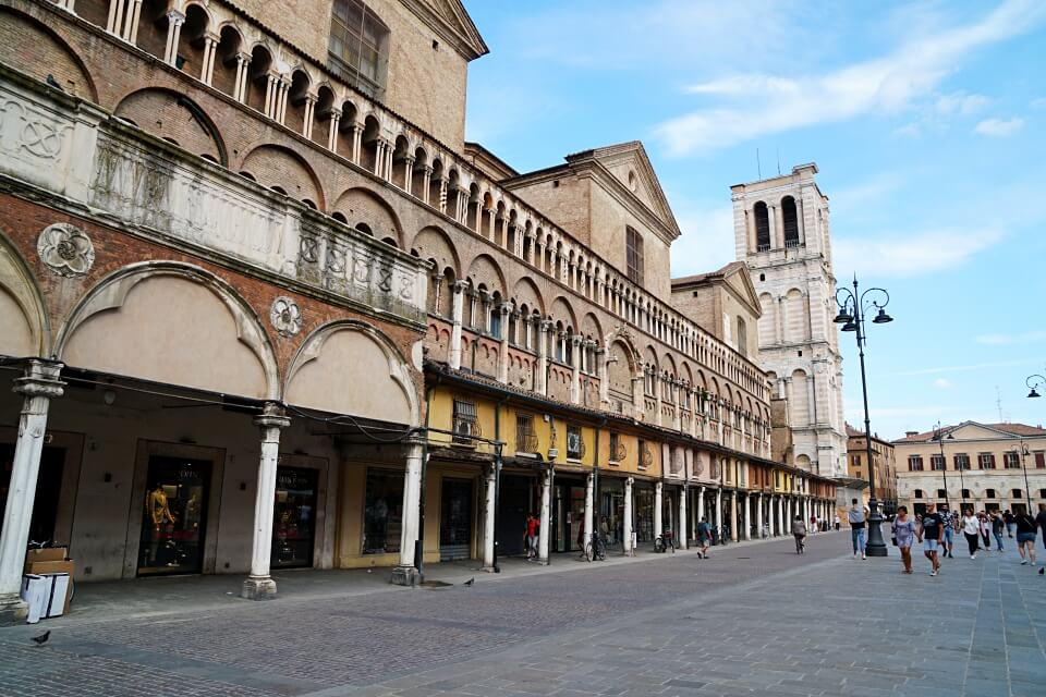 Piazza Trento Trieste in Ferrara Italien
