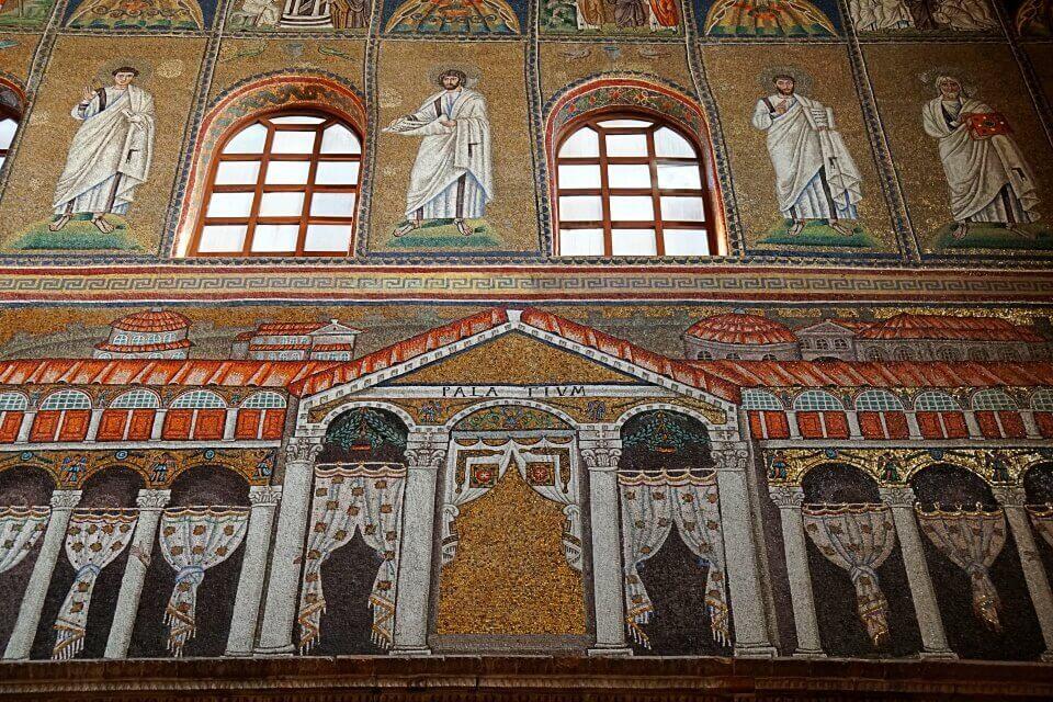 Mosaike in der Basilica Sant Apollinare Nuovo in Ravenna