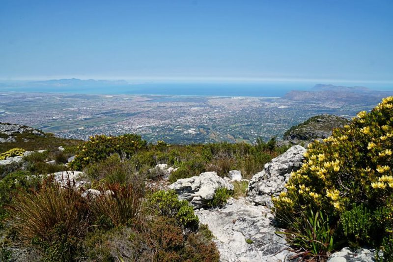 Ausblick vom Maclears Beacon auf dem Tafelberg in Kapstadt