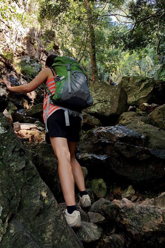 Klettern in der Skeleton Gorge beim Wandern auf den Tafelberg