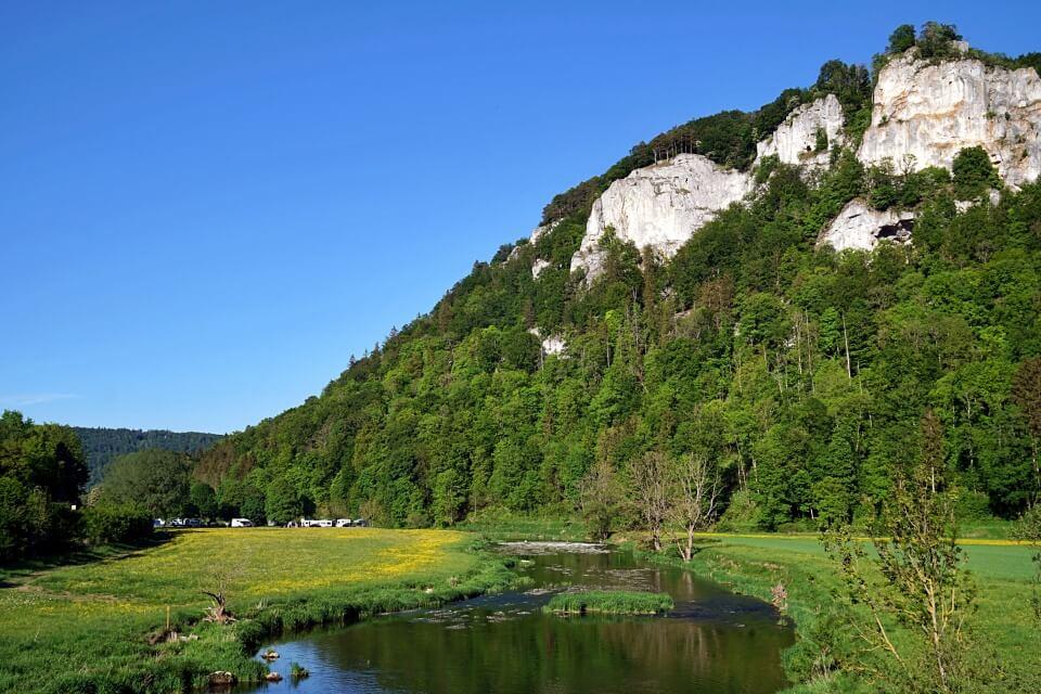 Oberes Donautal bei Beuron Hausen im Tal