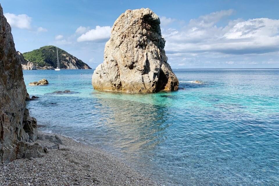 Die Spiaggia la Sorgente ist ein toller Strand auf Elba nicht weit von Portoferraio