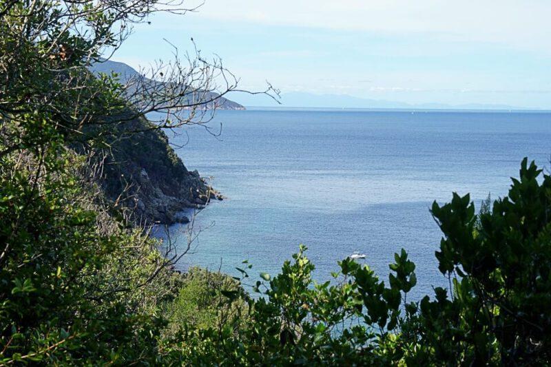 Ausblicke beim Wandern auf Elba bei Viticcio