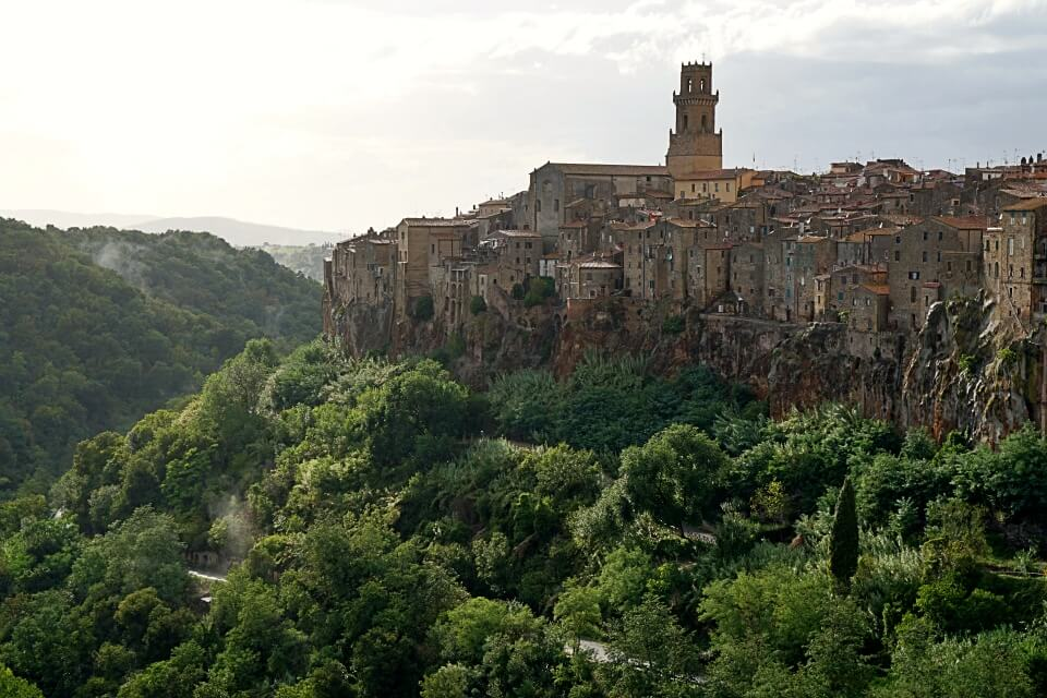 Die Tuffsteinstadt Pitigliano in der Toskana