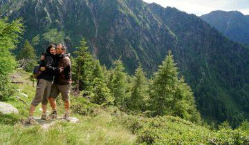 Lisa und Marco beim Wandern im Meraner Land in Suedtirol