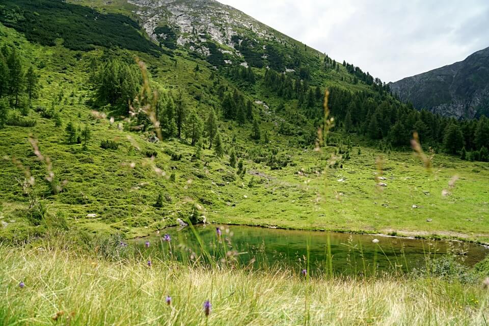 Wanderung zum Seebergsee im Passeier Tal in Suedtirol